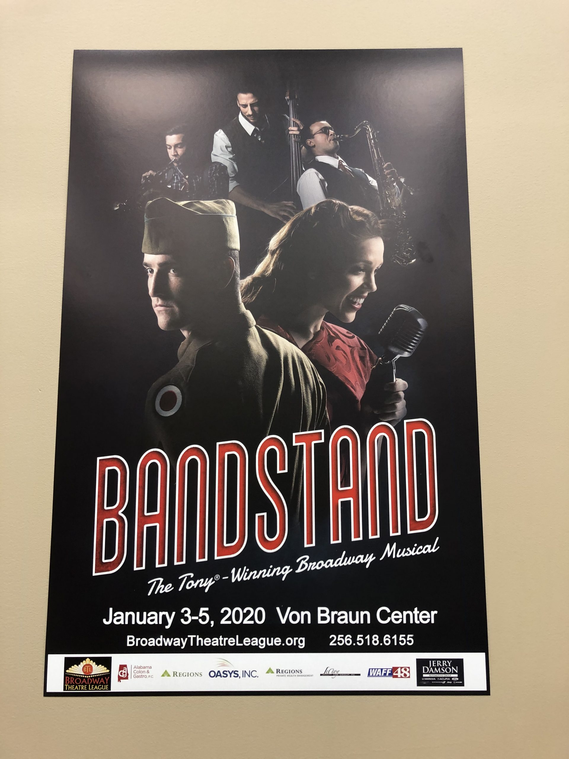 Connecting Senior Veterans in the Community – Bandstand Theater Trip